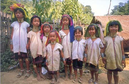 Niños padaung