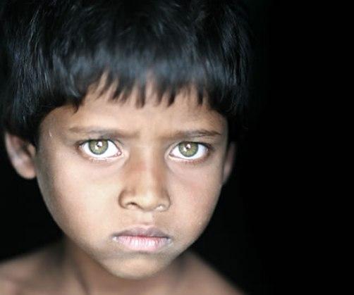 Ojos de niño que pregunta