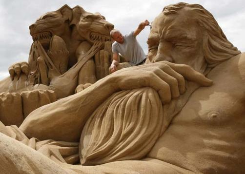 Dios del Inframundo en arena
