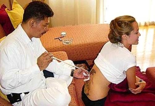 Angelina Jolie, tatuajes
