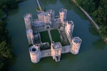 Fotos del Castillo Bodiam, fortaleza histórica