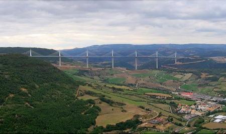 Fotos del Viaducto de Millau, Francia en las alturas