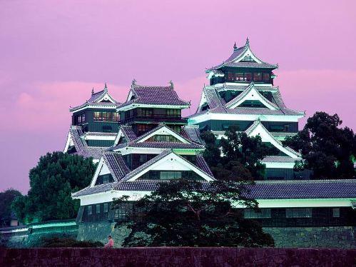 tatuaje paisaje japones. Paisajes que recortan templos imposibles en un cielo extrañamente coloreado