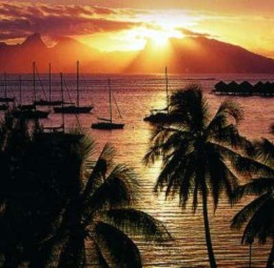 Atardecer en Polinesia