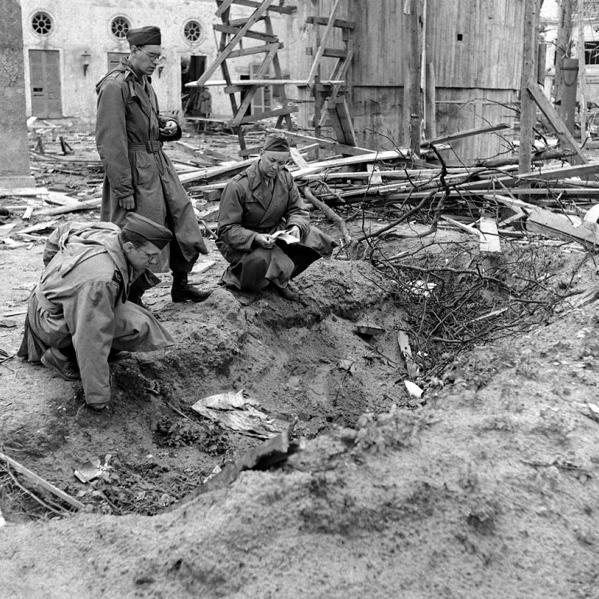 Bunker de Hitler -agujero de los cuerpos-