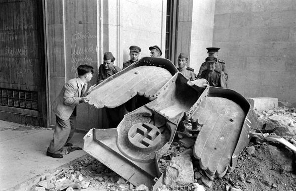 Bunker de Hitler - la caída del tirano-