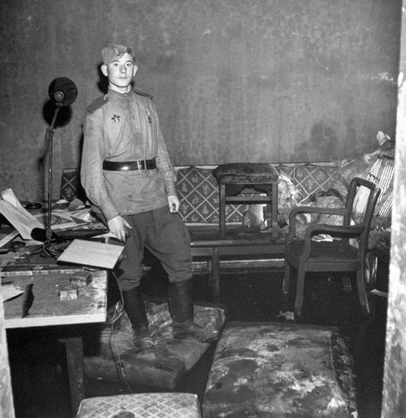 Bunker de Hitler - soldado ruso-