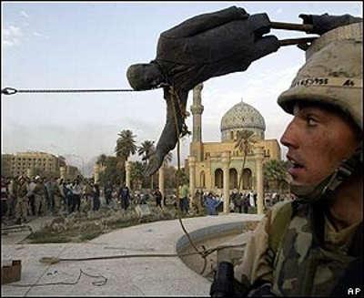 Caida de la estatua de Saddam
