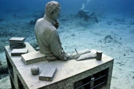 La increible paz del museo subacuático de Cancún