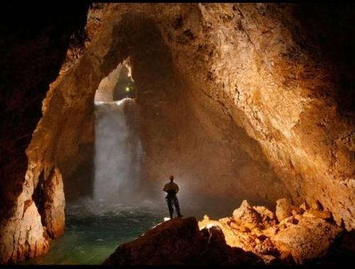 Voronya Cave, la cueva más profunda 5