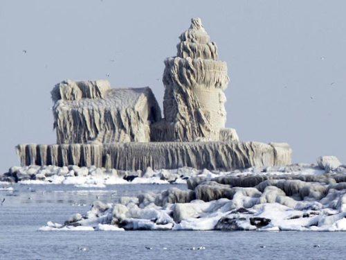 Faro congelado