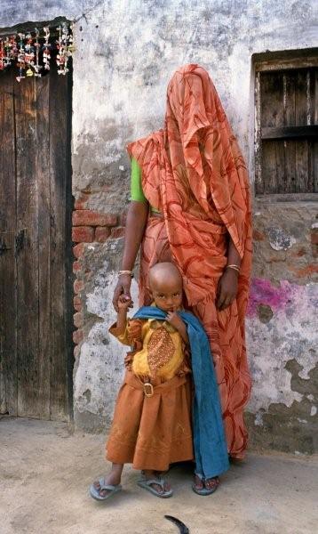 Madre e hijo en Uttar Pradesh