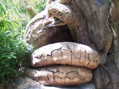 Serpiente tallada