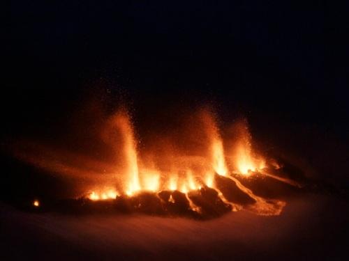 Volcán en erupción en Islandia 2010